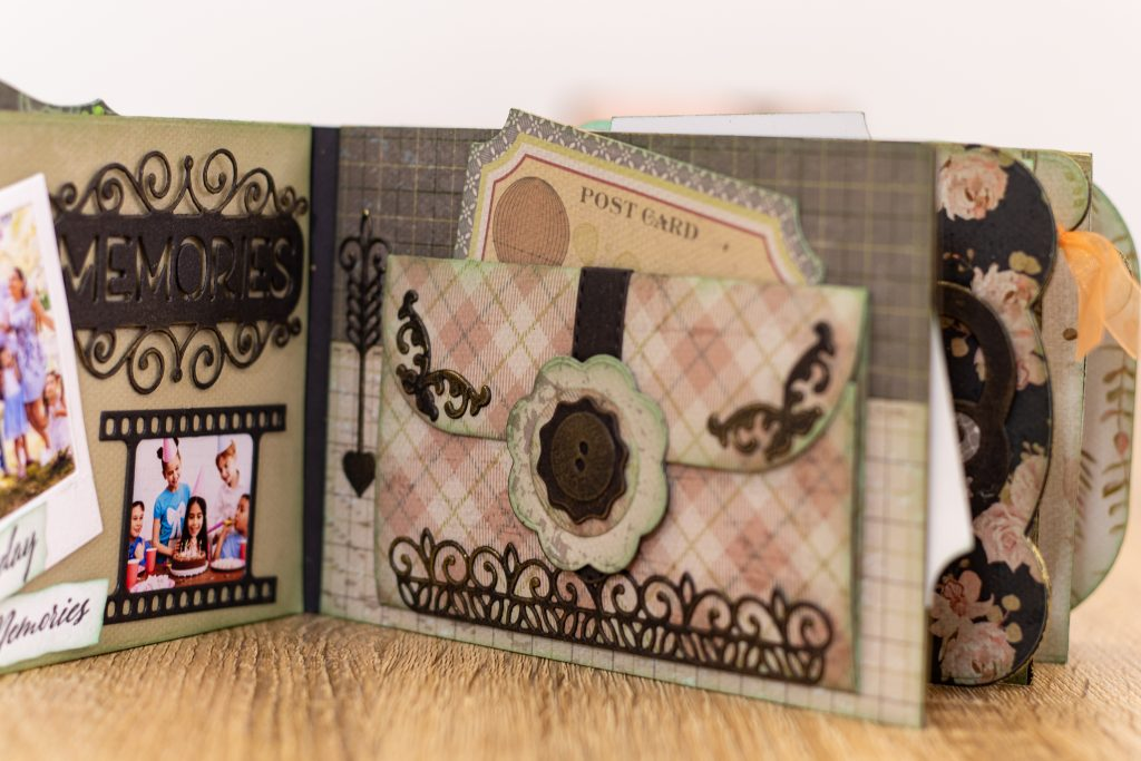 Gemini by Crafters Companion Precious Memories ALBUM SPINE Die